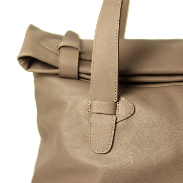 Kozena kabelka detail